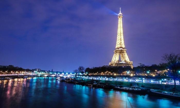 Paris 53luggage storage places available