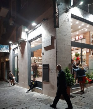 Przechowalnia bagaży Quartieri Spagnoli